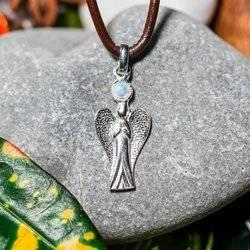 Engel mit Mondstein aus Silber 925