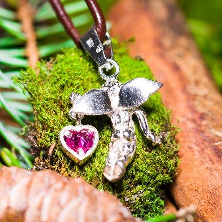 Engel mit Herz in Hand (rosa Zirkon) aus Silber 925